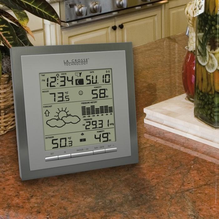 La Crosse Technology Wireless Forecast Station w/Pressure History