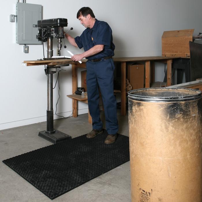 Suretrac Anti-Fatigue Mat - In Use